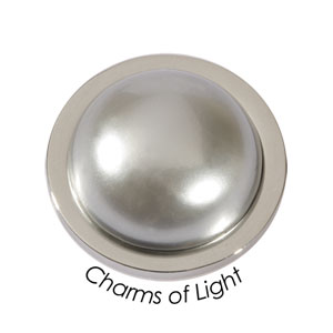 Quoins Coin (M) Charm of light Shell Pearl Grey (QMOP-M-G)